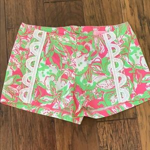 Nwot lilly pulitzer pink print shorts size 0